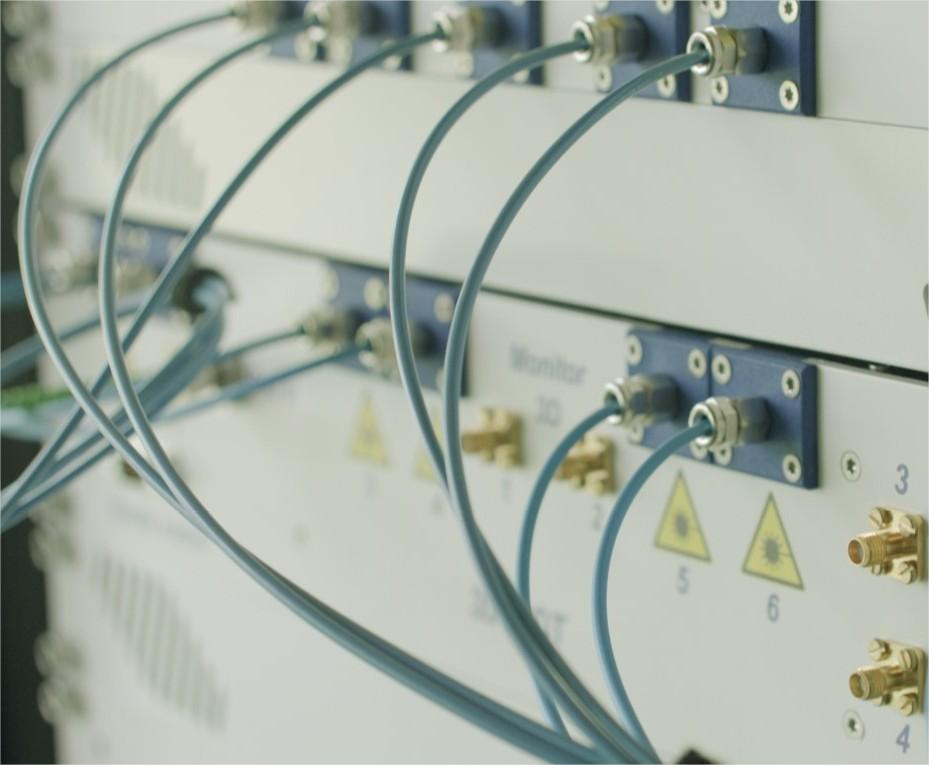 Détail d'un système laser intégré permettant…