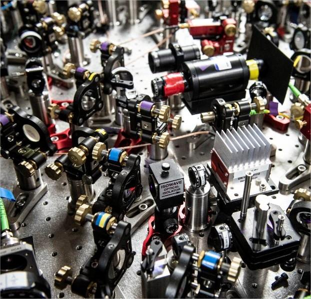 Expérience d'horloge atomique optique